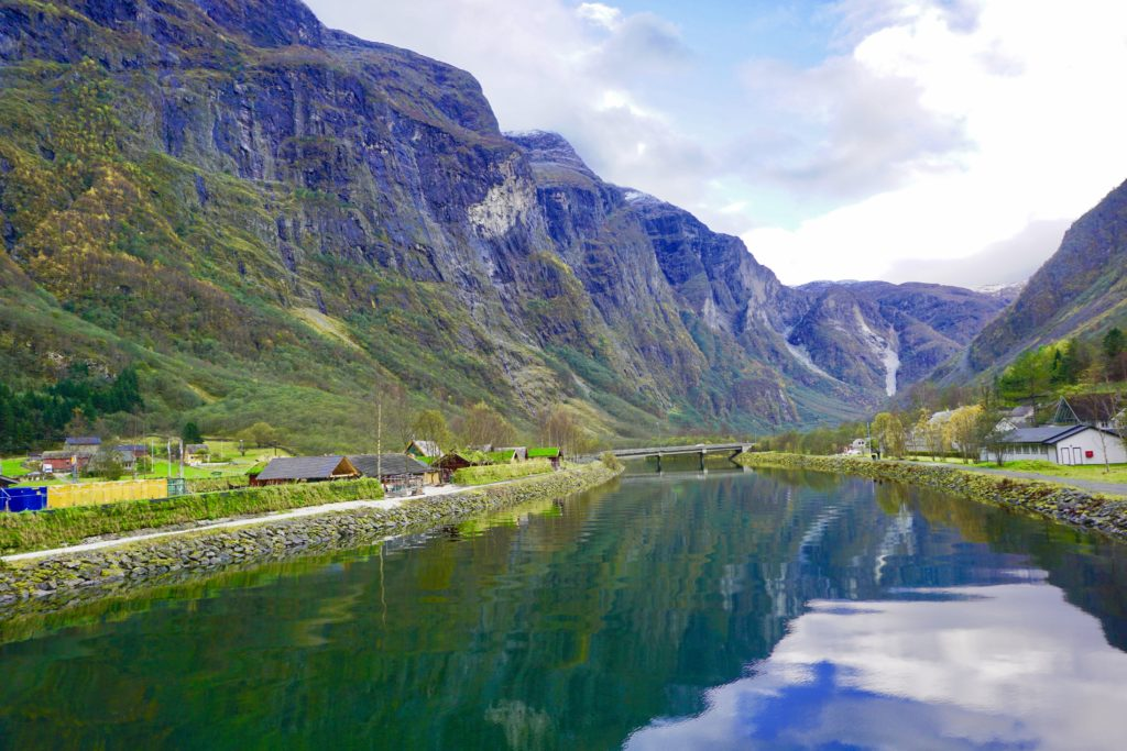 Gudvangen to take cruise to Fjords